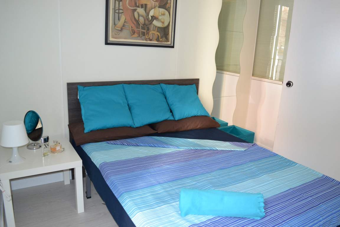 Room 4 double bed 80565