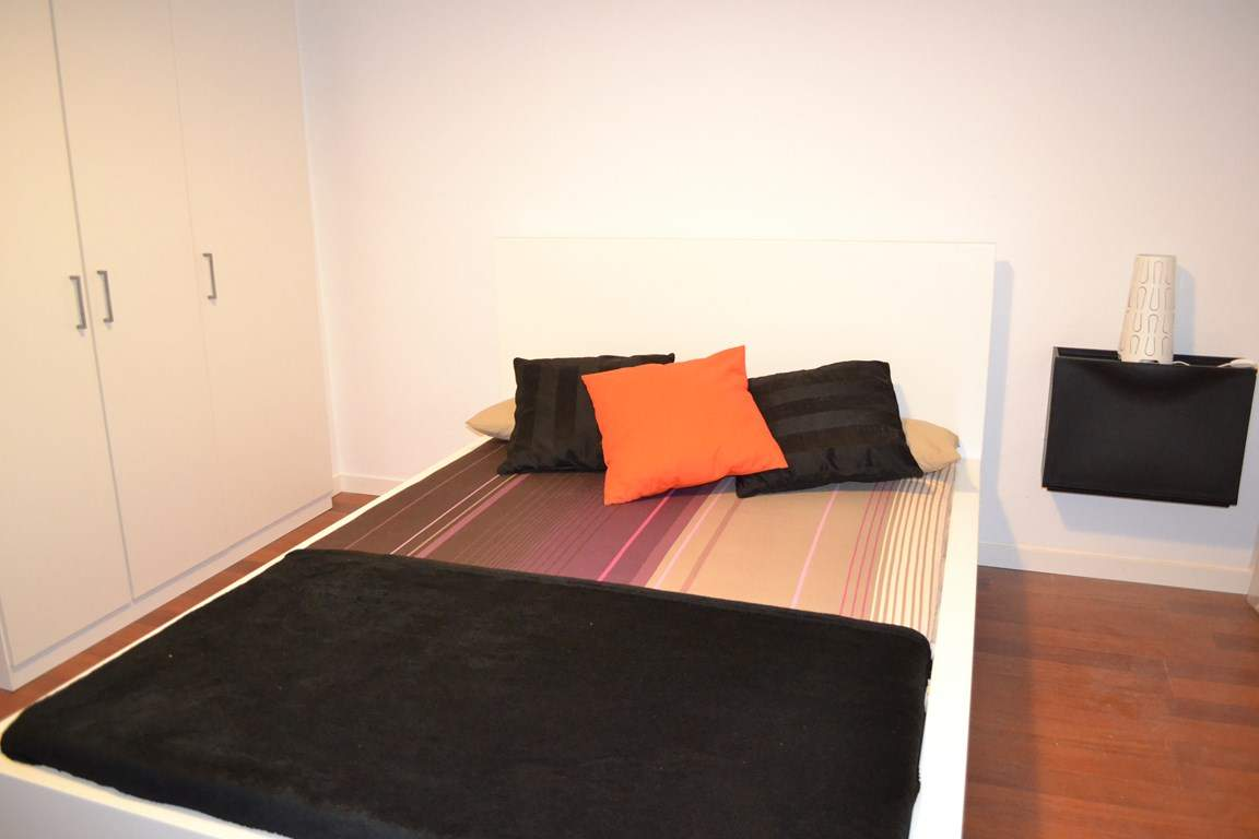 Room 4 double bed 80604