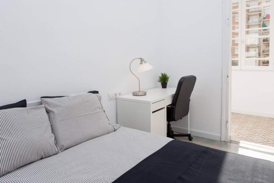 Bedroom 4 - Sidney Lux