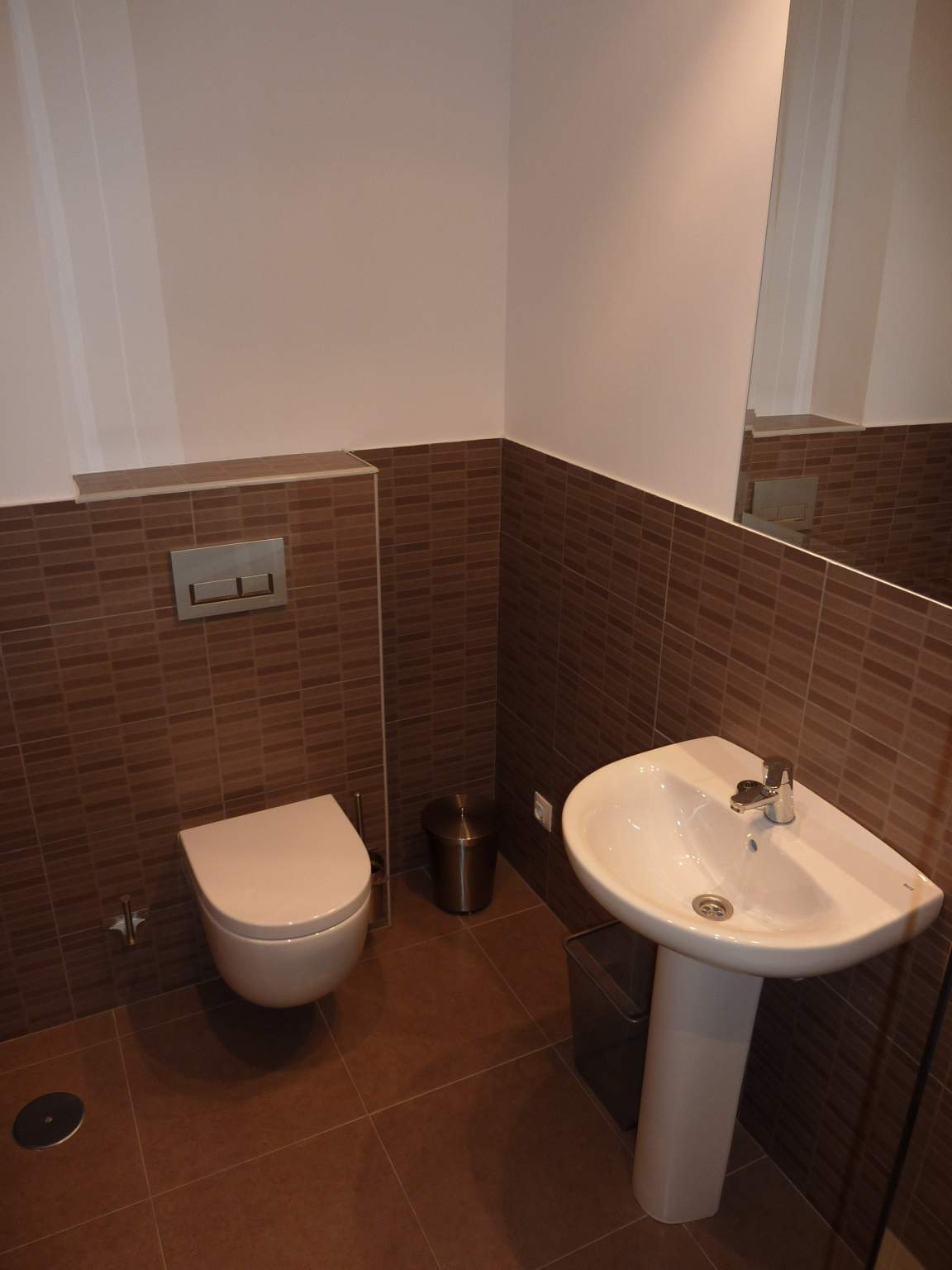 Ensuite bathroom, bedroom 3