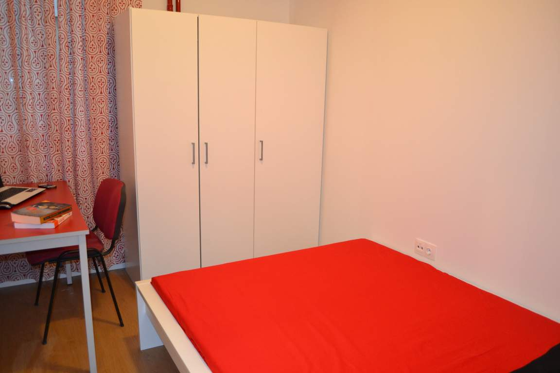 Room 6 double bed 80493