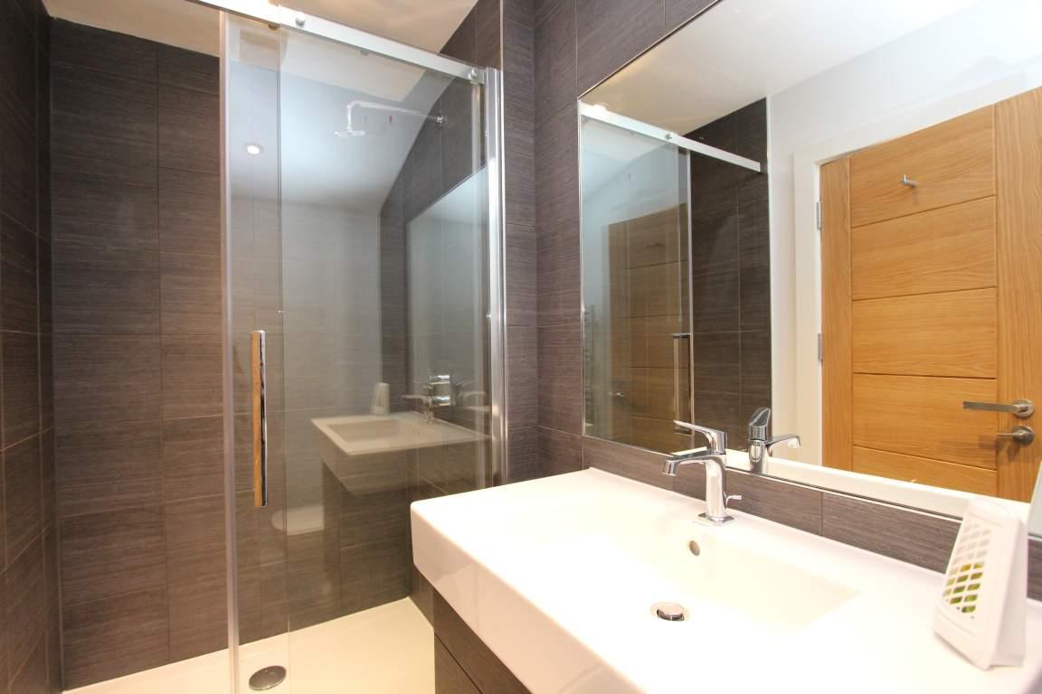 En-suite Bathroom (Room 3)