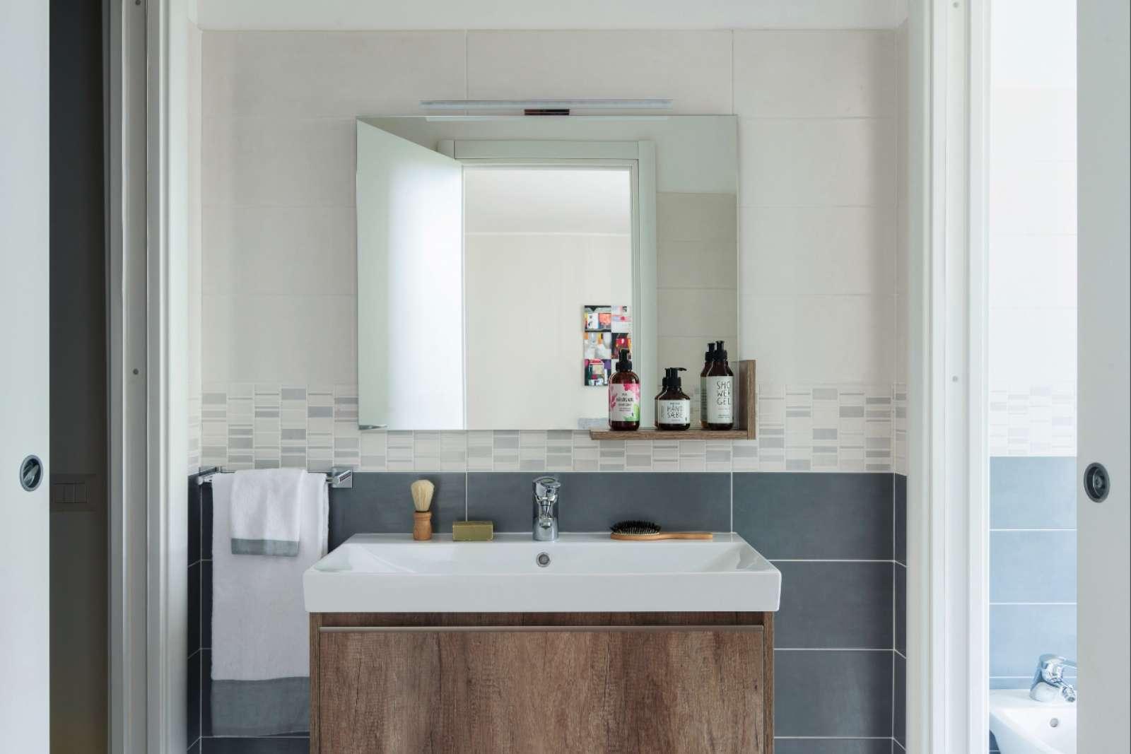 Elegante monolocale in affitto a porta vittoria milano - Posso andare in bagno in inglese ...