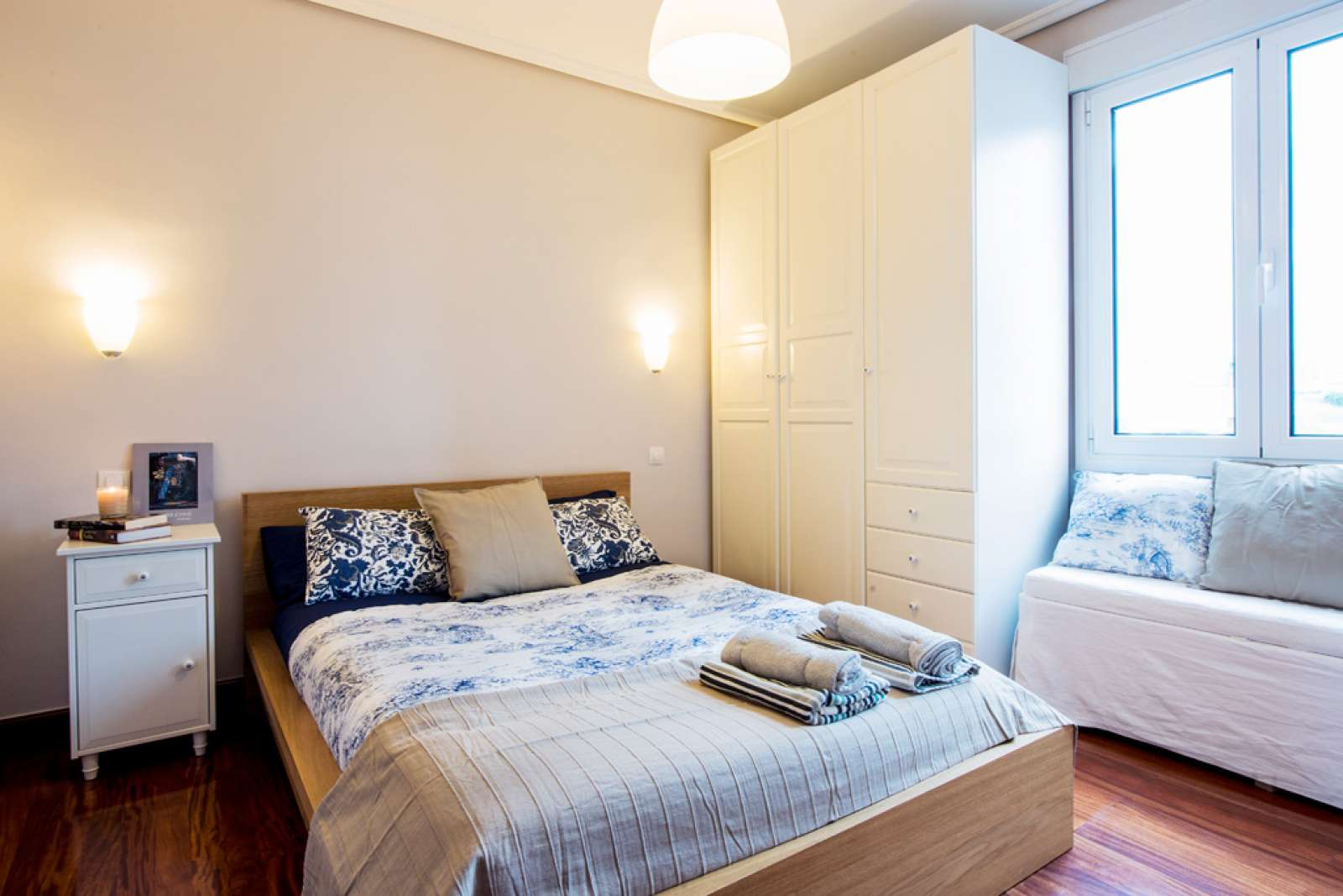 Living Room And Bedroom Double Bed In Rooms For Rent In Apartment With Balcony In Bolueta