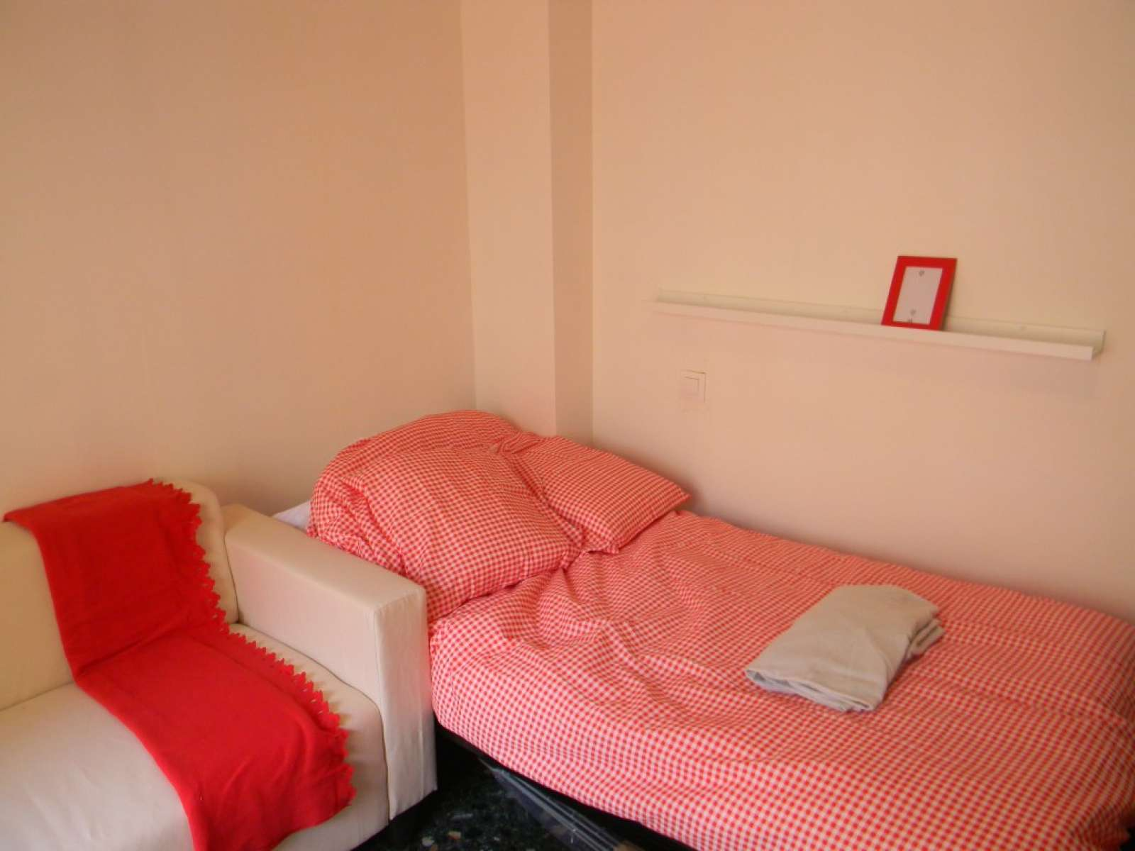 Nicely Decorated Bedrooms Double Bed In Nicely Decorated Rooms For Rent Close To The