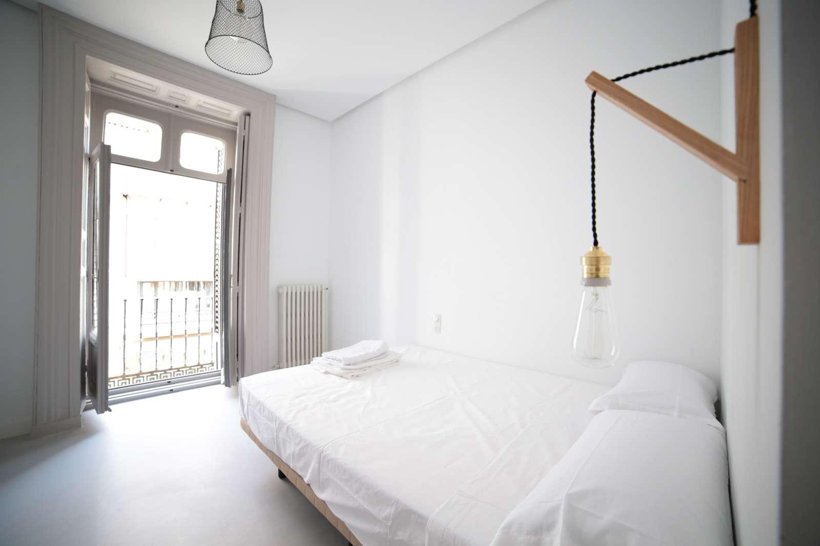 Habitaciones con ba o privado en alquiler residencia for Habitacion cuadruple madrid