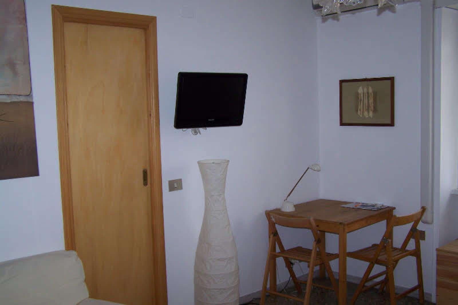Double Room In Apartment In Vaticano Rome Ref 97728