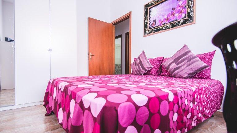 Belle chambre dans un appartement de 3 chambres, Dergano, Milan