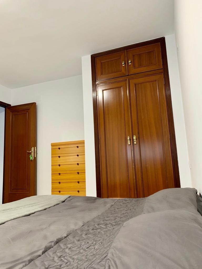 Quarto para alugar em apartamento de 3 quartos em Mestalla, Valência