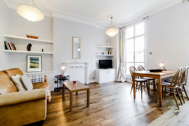 Luxury 2-bedroom flat with multiple balconies to rent in Westminster