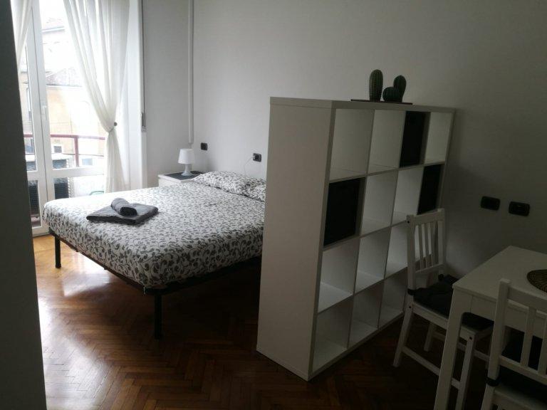 Habitación luminosa en alquiler en Città Studi, Milán.