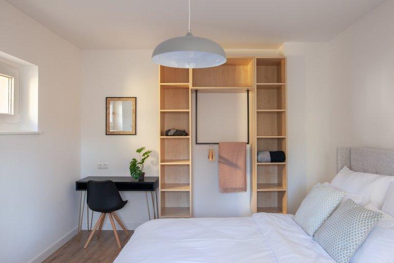 Pokój do wynajęcia w apartamencie z 3 sypialniami w Neukölln