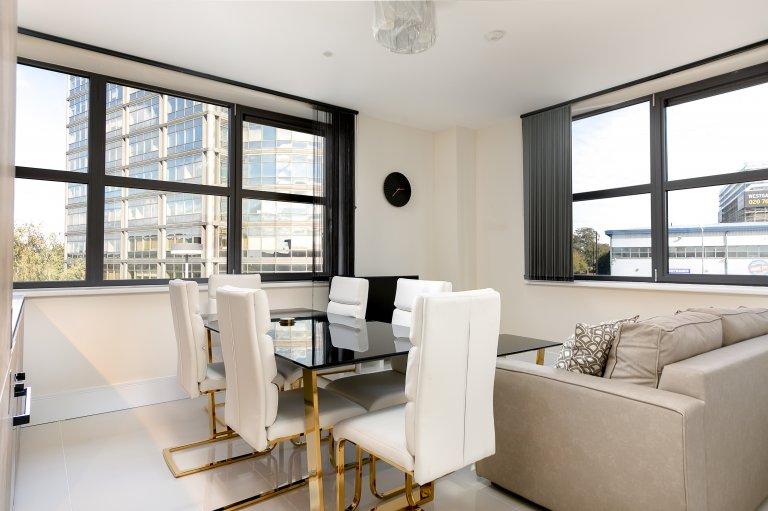 Jasne 2-pokojowe mieszkanie do wynajęcia w Ealing, Londyn