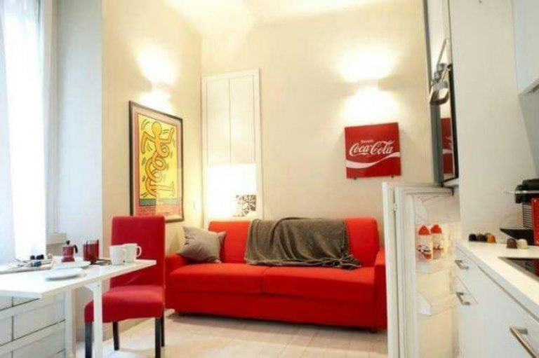 Stylish studio apartment for rent in Porta Venezia , Milan