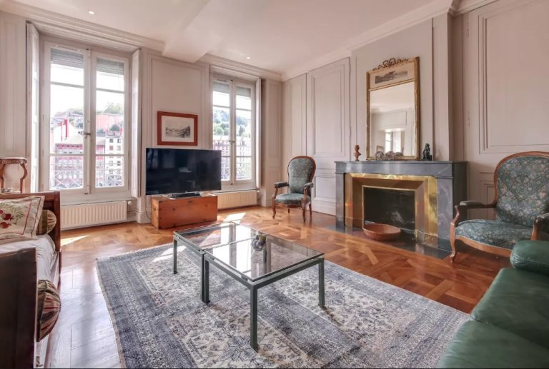 3-bedroom apartment for rent in Croix-Rousse, Lyon