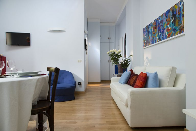 Amazing 2-bedroom apartment for rent in Ticinese, Milan