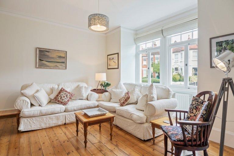 Elegante 4-Zimmer-Wohnung zum Mieten in Barnes, London