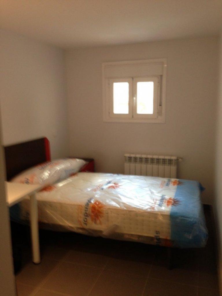Salle de détente dans un appartement de 4 chambres à Latina, Madrid