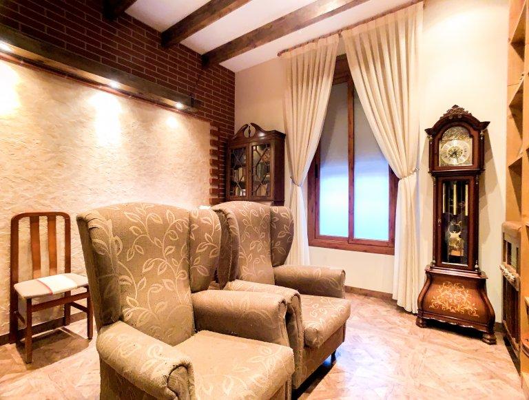 Apartamento de 2 quartos para alugar em Poble Sec, Barcelona