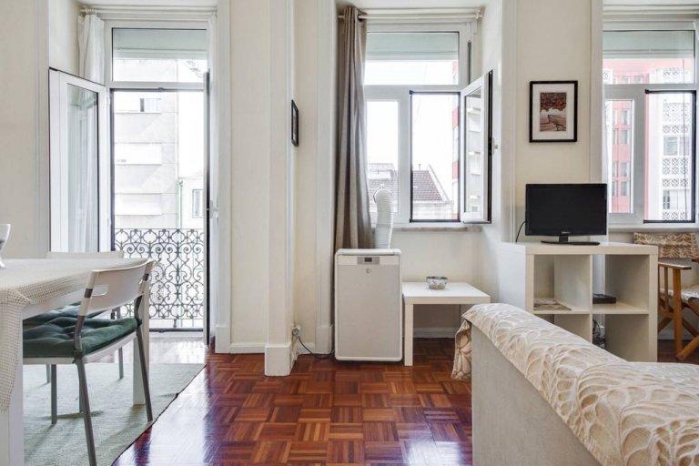 Campolide, Lizbon kiralık güzel 3 yatak odalı daire