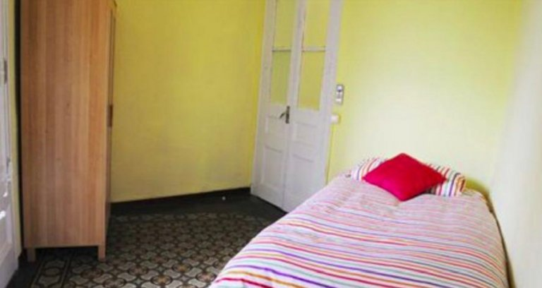 Zimmer in 4-Zimmer-Wohnung in Eixample Dreta, Barcelona