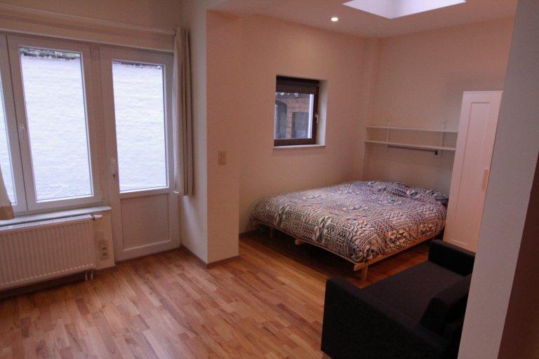 Charming studio apartment for rent in Saint Josse, Brussels