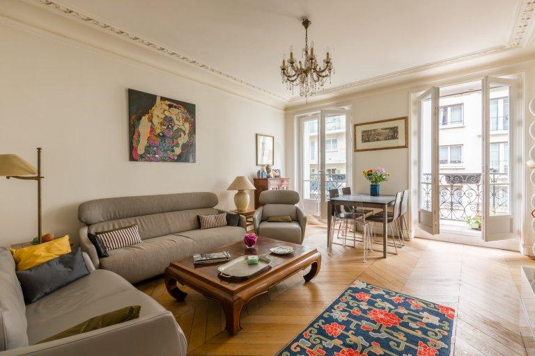 Grand 2 pièces à louer dans le 16e arrondissement
