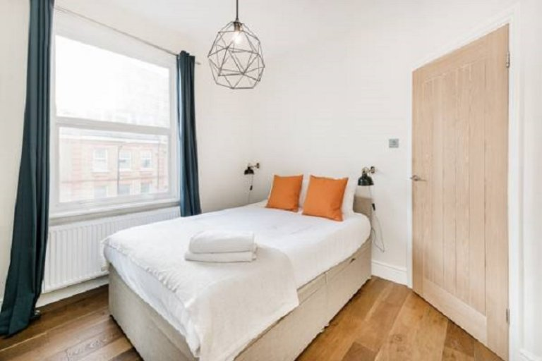 Fun room for rent in 2-bedroom apartment in Westminster