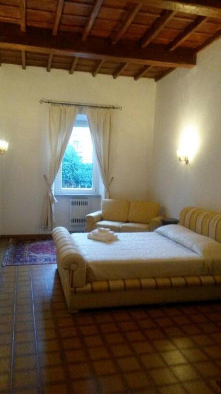 Apartamento de 2 quartos para alugar em Centro Storico, Roma