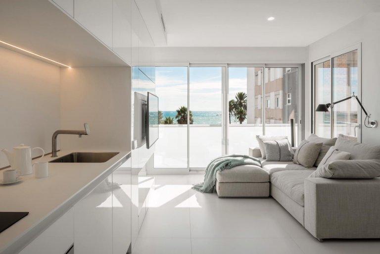 Coastal 1-bedroom apartment for rent in La Barceloneta