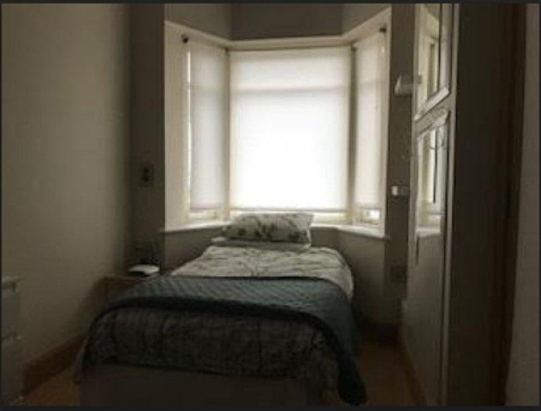 Quarto tranquilo em apartamento compartilhado em Donaghmede, Dublin