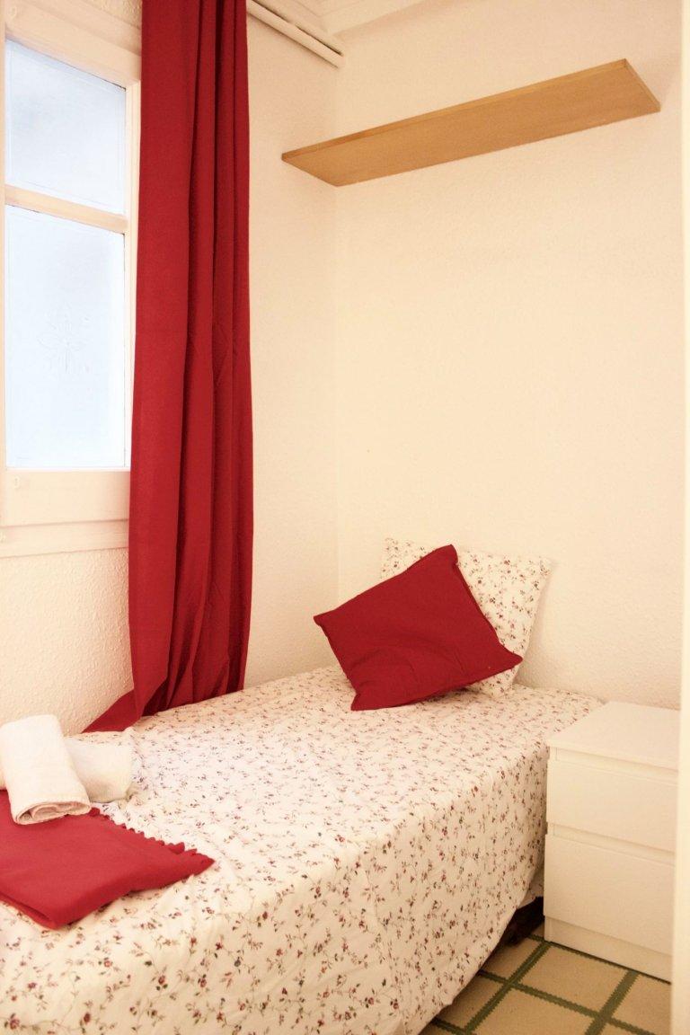 Habitación en apartamento de 8 habitaciones en el Eixample Esquerra, Barcelona