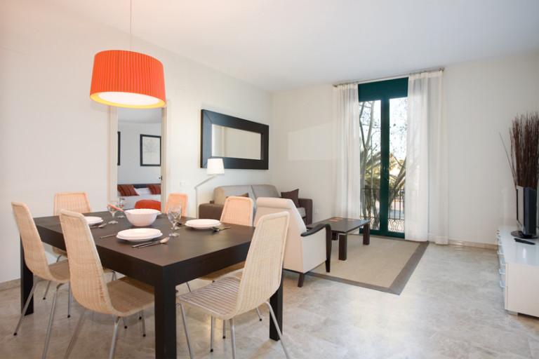 Jasne 4-pokojowe mieszkanie do wynajęcia w Dzielnicy Gotyckiej