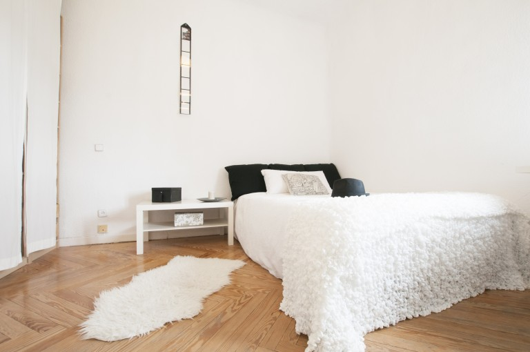 Room 4 - Momo