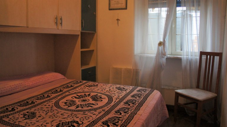 Furnished room in 2-bedroom apartment in Tora Sapienza, Rome