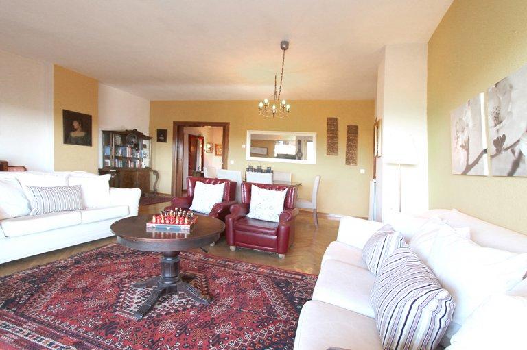 5-pokojowe mieszkanie w Fuencarral - El Pardo, Madryt