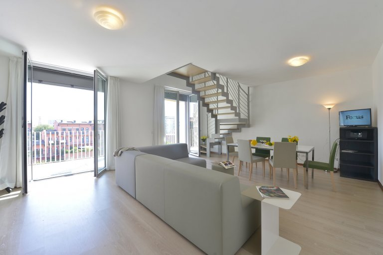 Beautiful 4-bedroom apartment for rent in Scalo Romana