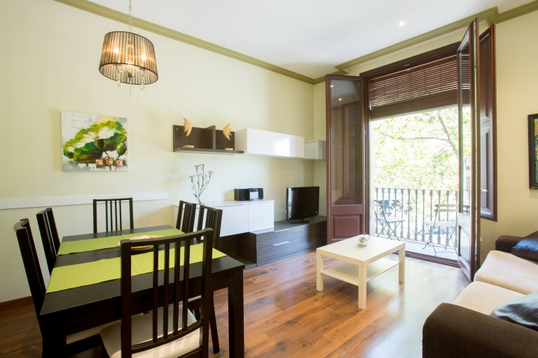 Apartamento de 3 quartos moderno para alugar em El Raval, Barcelona