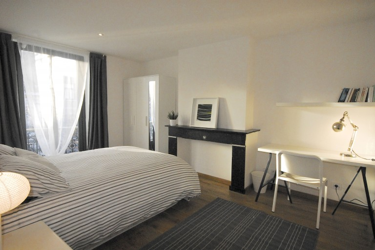 Bedroom 6 with double bed