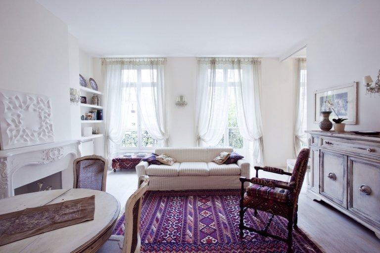 2-pokojowe mieszkanie do wynajęcia w 8. dzielnicy Paryża
