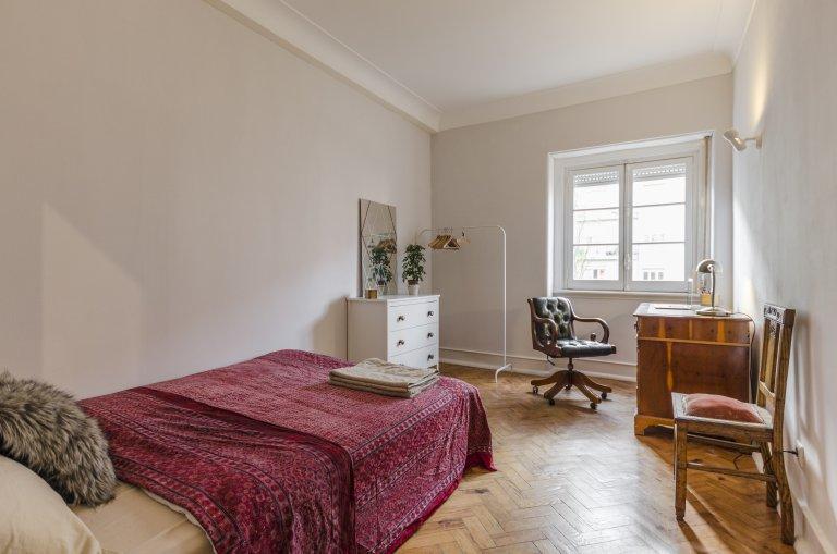 Doppelzimmer zu vermieten, 4-Zimmer-Wohnung, Areeiro, Lissabon