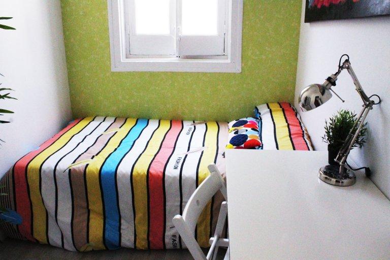 Quarto duplo confortável para alugar em Lavapiés, Madrid