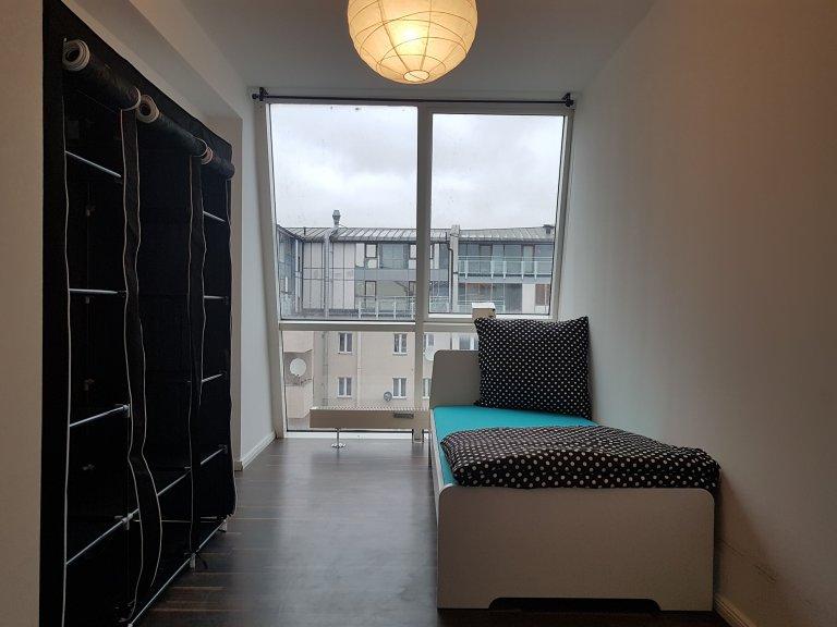 Chambre à louer dans appartement avec 7 chambres à Charlottenburg