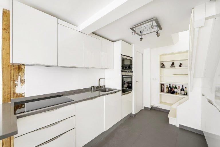 Intero appartamento con 2 camere da letto a Parigi