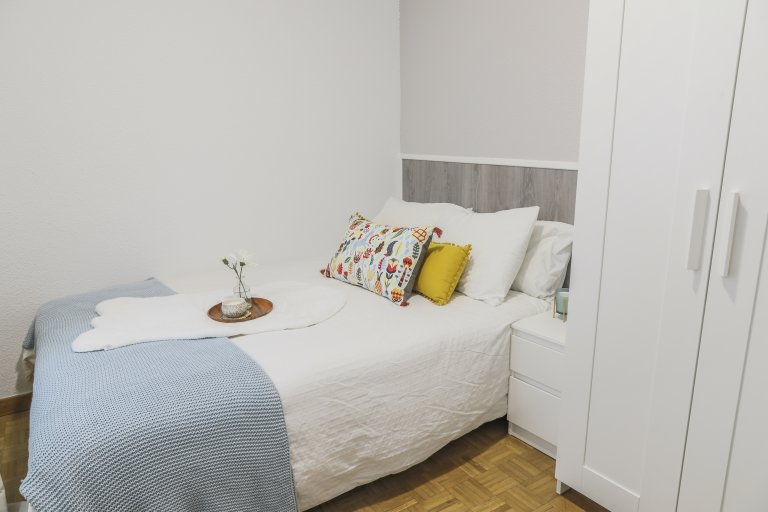 Charming room for rent in Delicias, Madrid