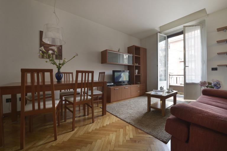 2 camere da letto con balcone in affitto a Ghisolfa, Milano