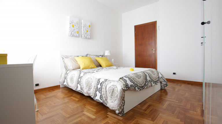Bedroom 2 with double bed