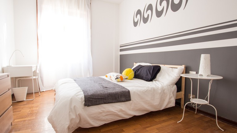 Furnished room in apartment in Corso Sempione, Milan