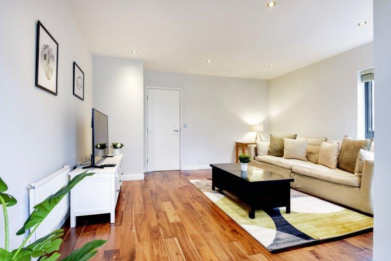 Charmant appartement de 3 chambres à louer à Sands End, Londres