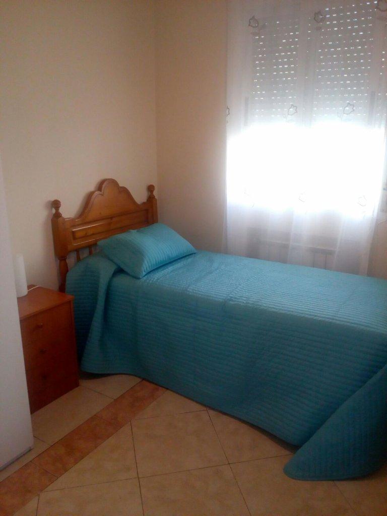 Wnętrze pokoju w 3-pokojowe mieszkanie w Usera, Madryt